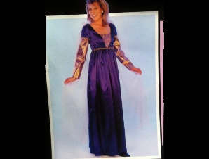 royal_renaissance_costume_womens_thumb